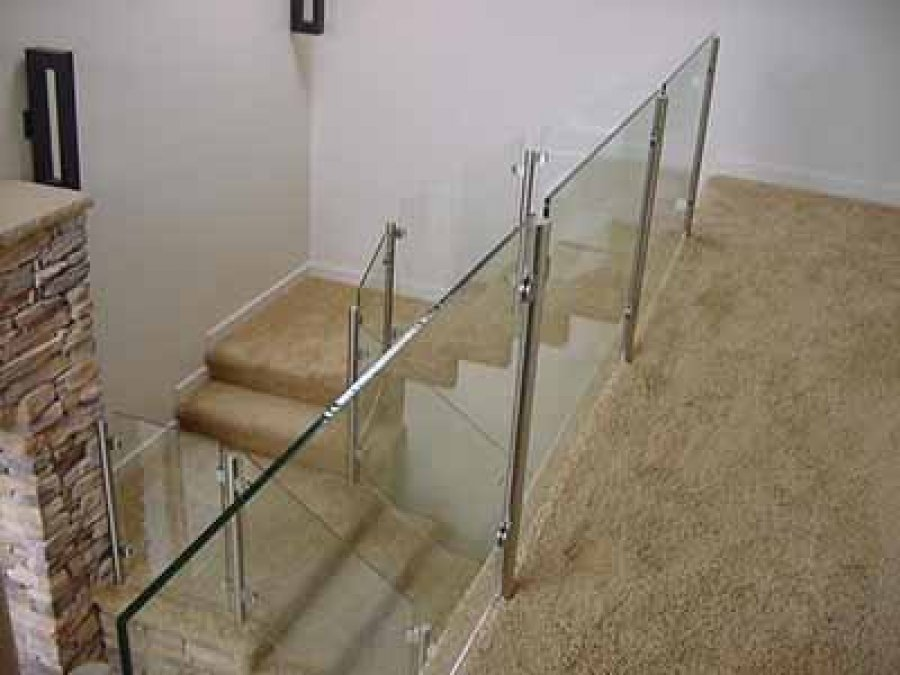 Custom Glass Stair